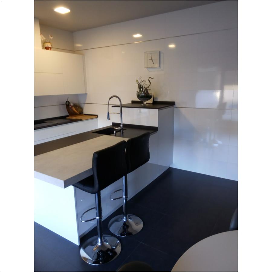 Reforma de cocina abierta en Tudela