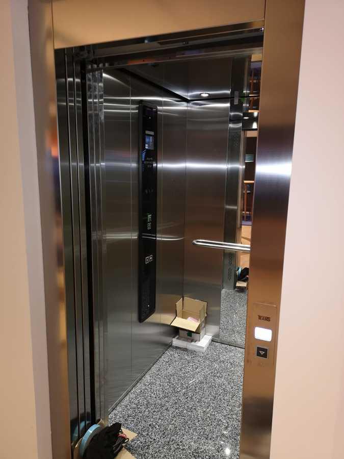 Instalación ascensor de INOX