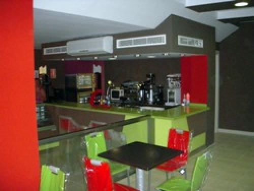 Cafeteria con obrador de panadería