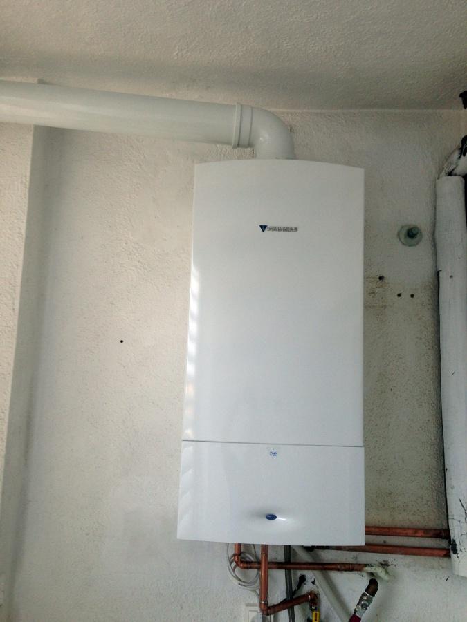 Foto caldera junkers condensaci n de serviclima - Caldera condensacion junkers ...