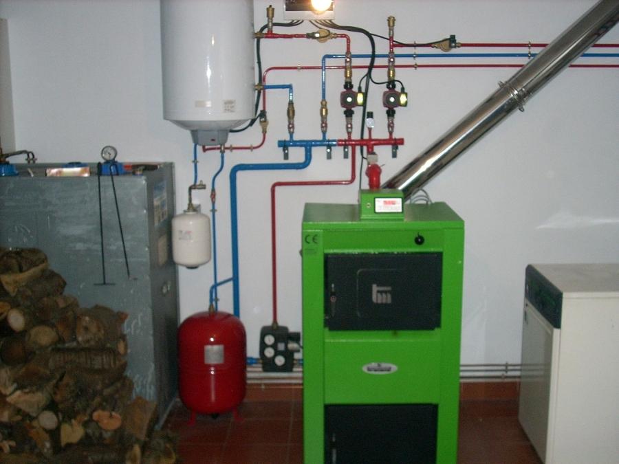 Foto caldera pirolitica de le a 20kw de josedinar placas for Calderas para calefaccion central a lena