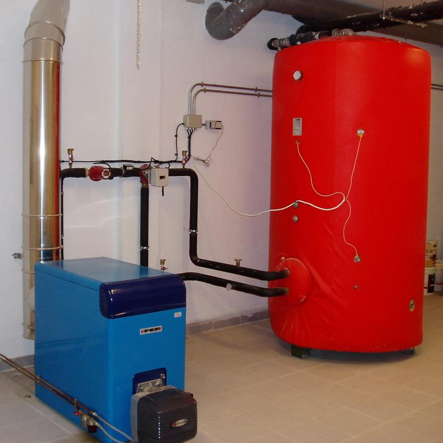 Foto caldera y acumulador de a c s de calor y agua - Caldera gasoil precio ...
