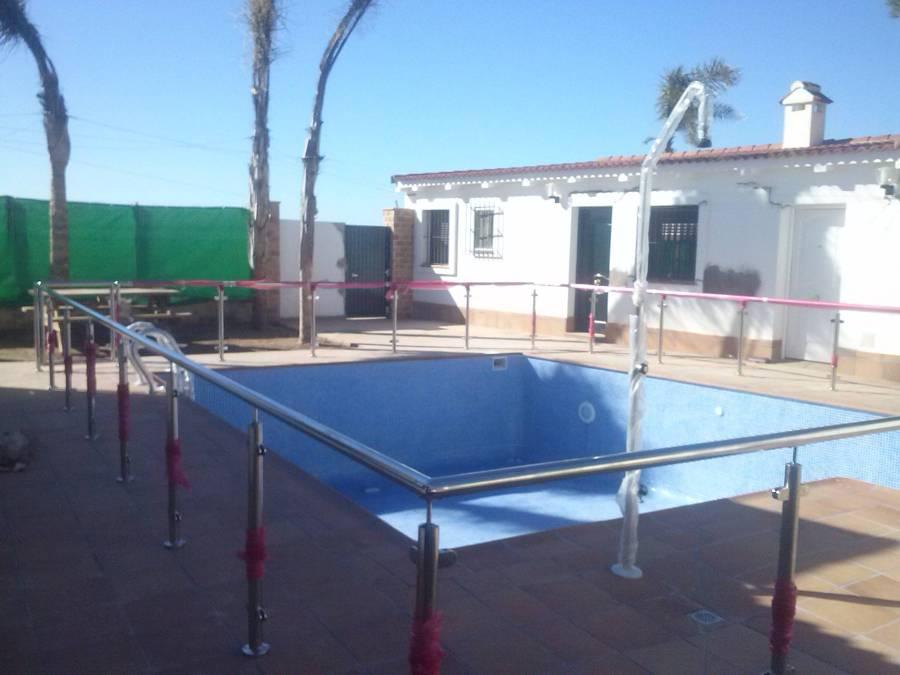 Foto barandilla de acero inoxidable en piscina de aluinox - Piscina acero inoxidable ...