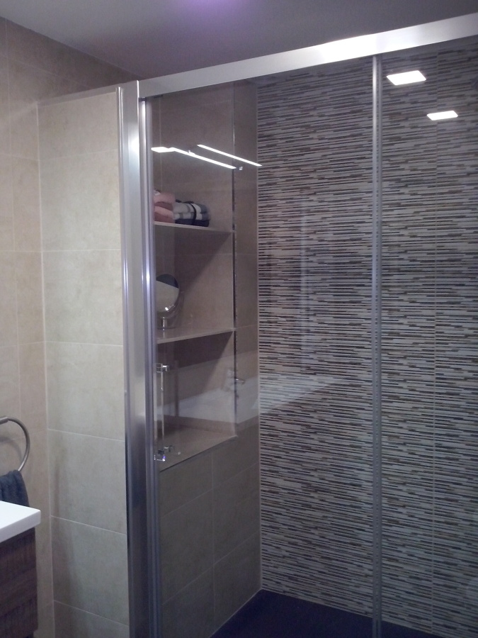 Foto detalle estantes de obra de reformes misael 879719 - Estantes para interior ducha ...