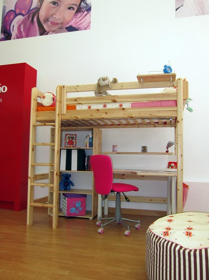 Foto camas altas de flexa shop boadilla 233880 habitissimo for Habitaciones con camas altas