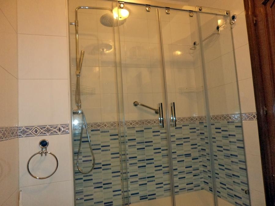 Foto cambio de ba era por ducha en av del ejercito n 16 la coru a de reformas ngel 308729 - Cambio de banera por ducha ...