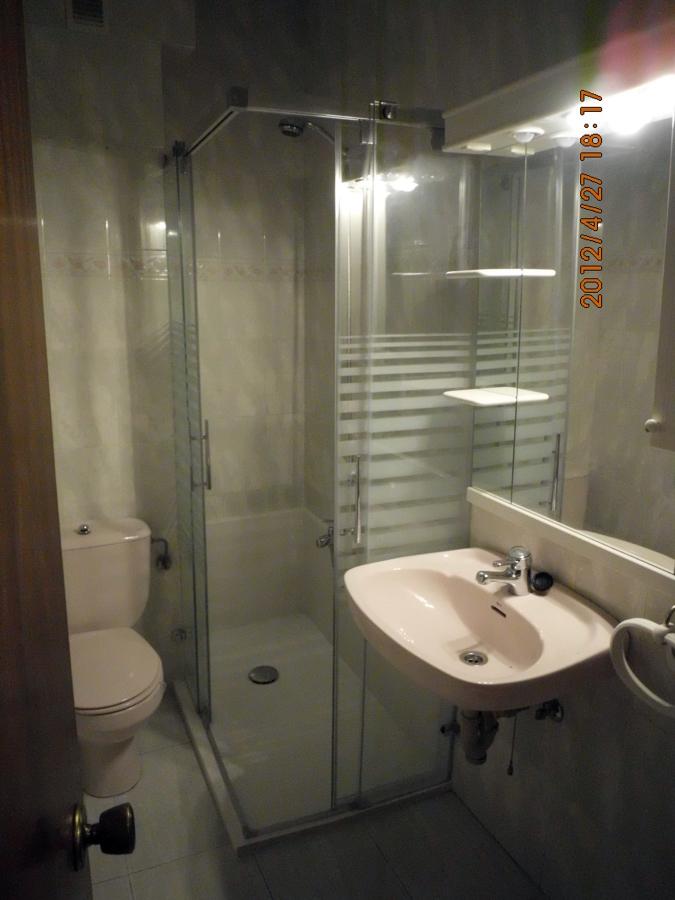 Foto cambio de ba era por ducha de pinturas decoarte 213979 habitissimo - Cambio de banera por ducha ...