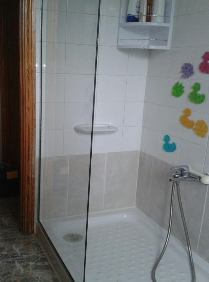 Foto cambio de ba era por plato de ducha mampara de - Cambio de banera por ducha madrid ...