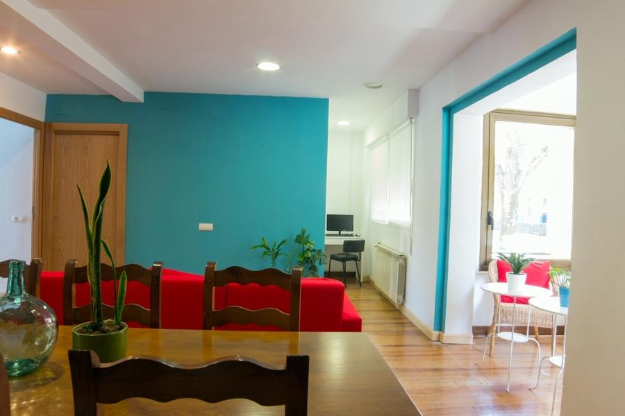 Cambio de uso y adecuación de vivienda unifamiliar como albergue turístico. Pamplon