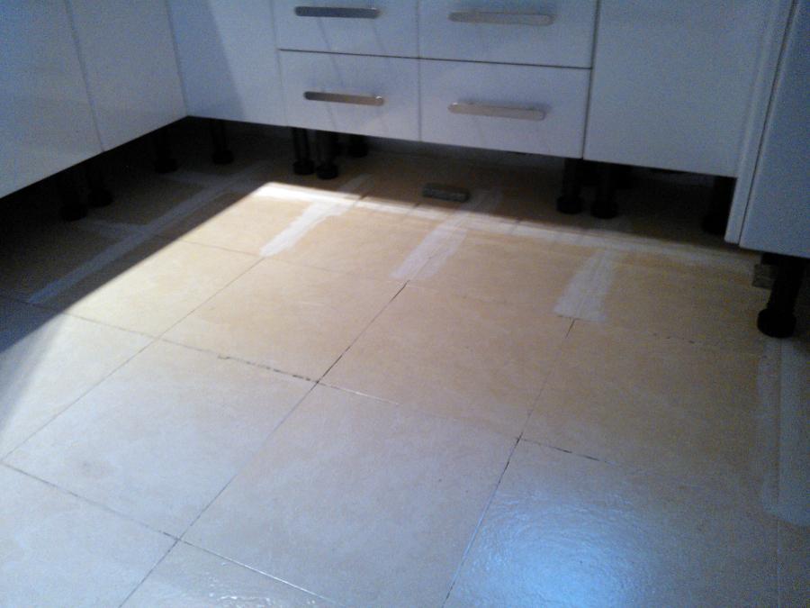 foto cambio suelo de cocina sin obras de integrados
