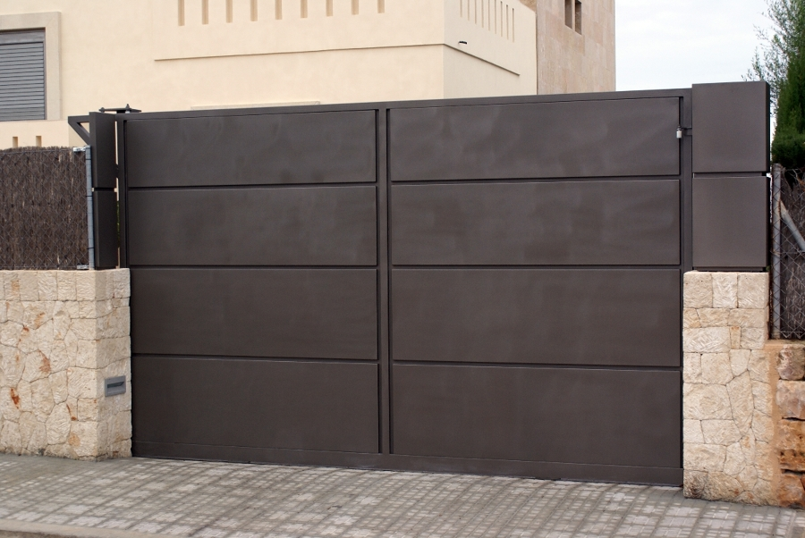 Puertas de hierro correderas exteriores amazing awesome simple puertas puertas correderas - Puertas correderas exteriores precios ...