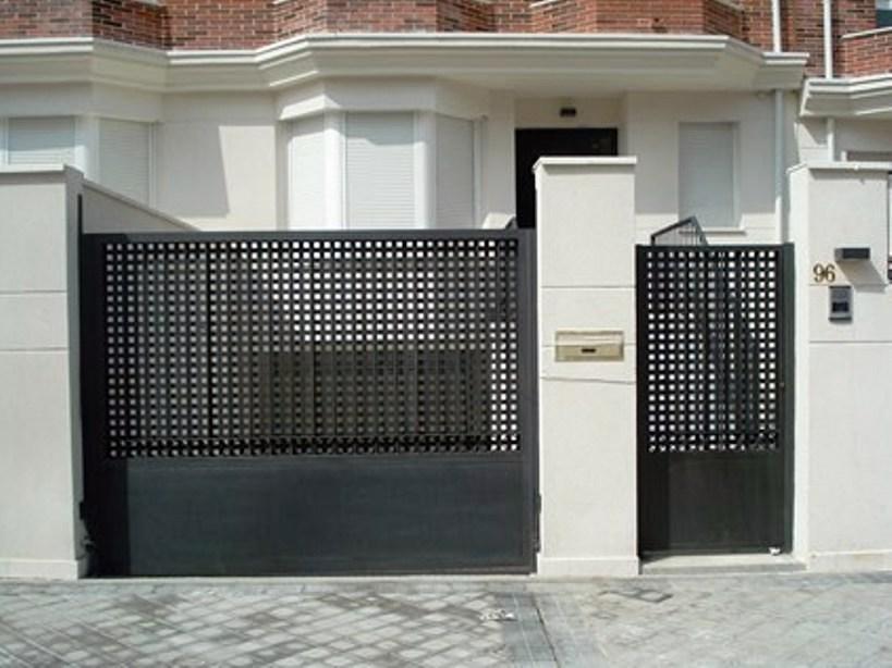 Foto cancela perforada de feralva carpinteria metalica - Puertas de hierro para jardin ...