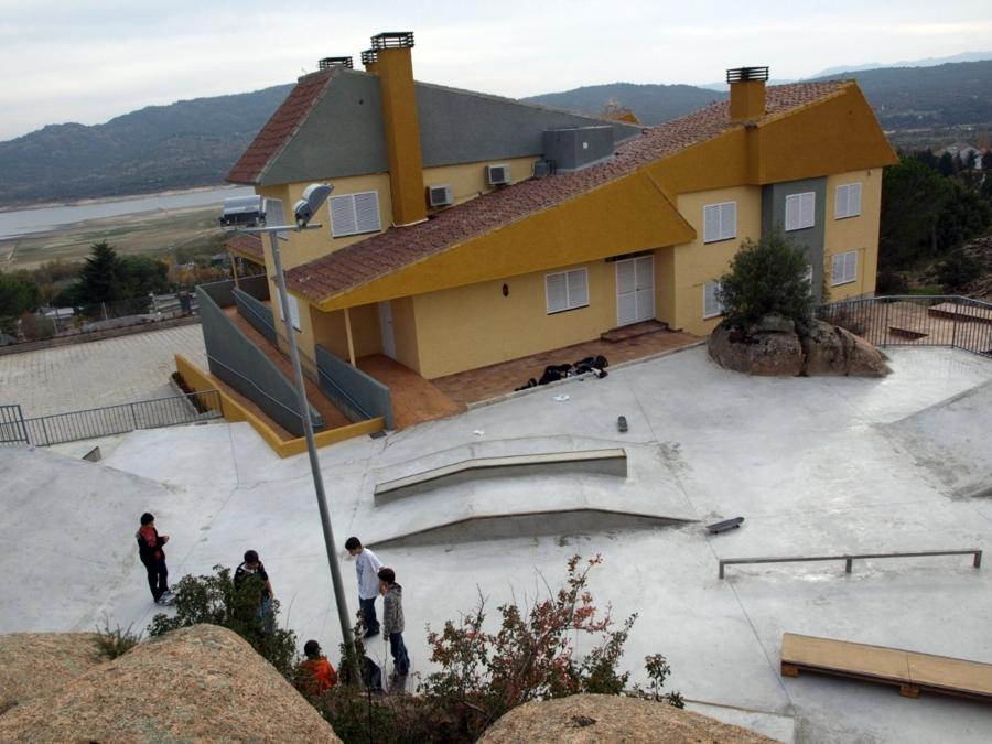 Foto casa de la juventud manzanares el real de jarque - Casas en manzanares el real ...