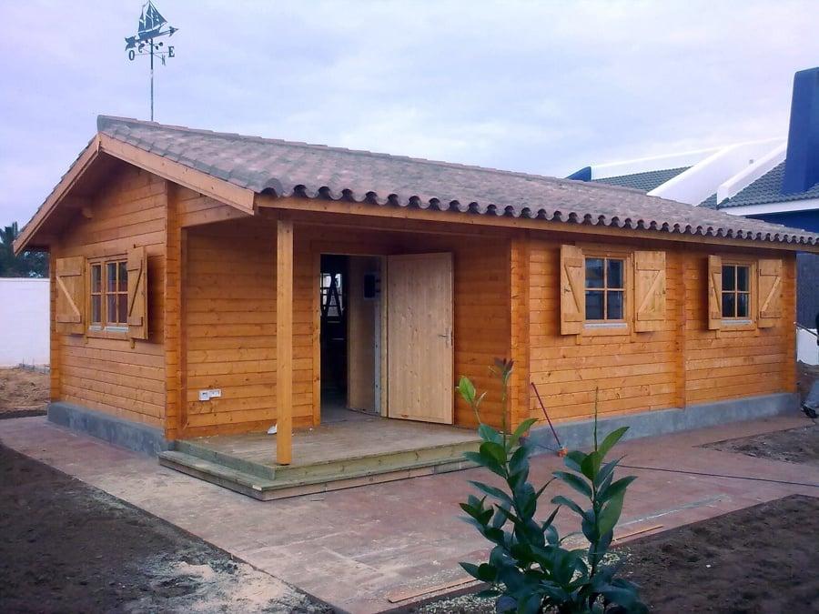 Foto casa de madera en el puerto de santa mar a de - Casas de madera pontevedra ...