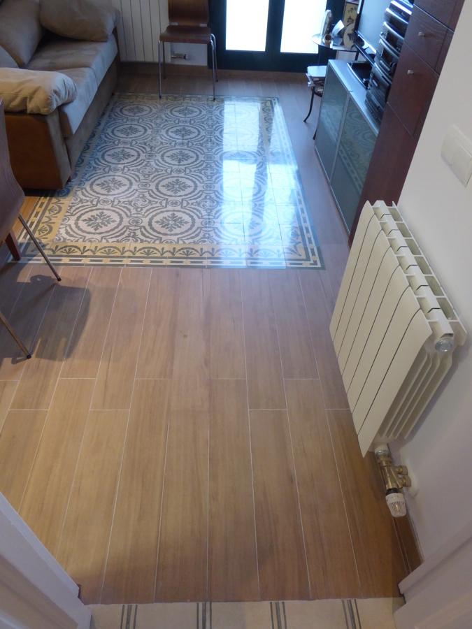 Suelo seudo-alfombra modernista.