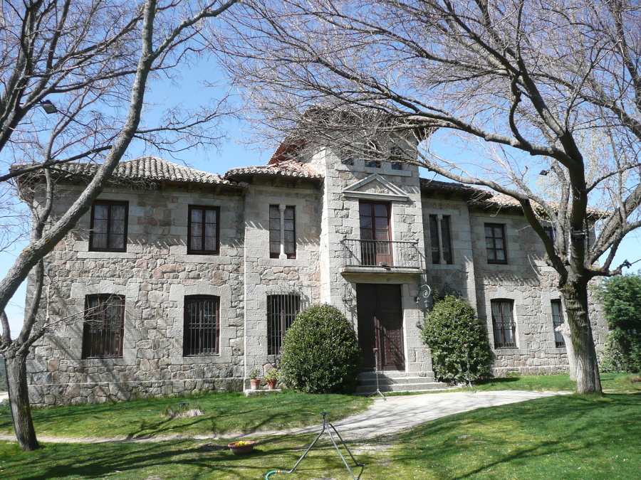 Foto casa grande el gasco torrelodones madrid de for Casa minimalista torrelodones