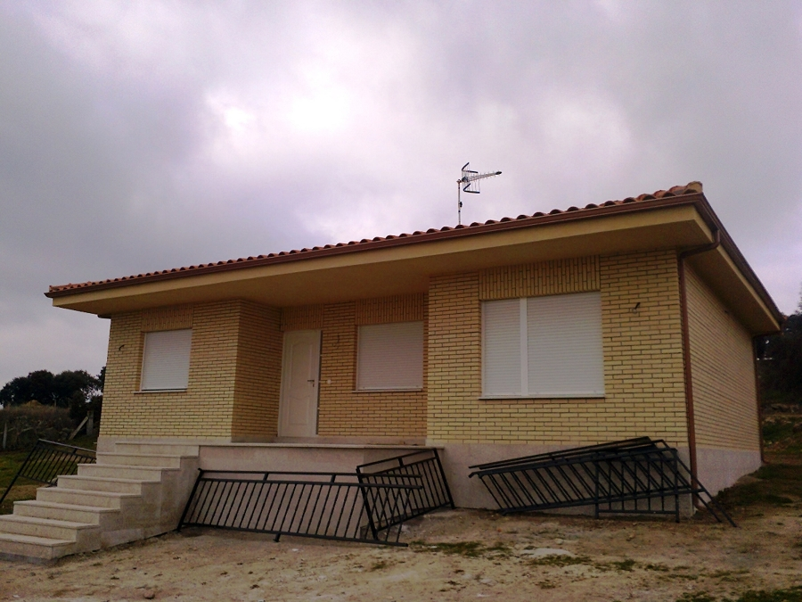 Foto casa ladrillo visto moraleja de sayago zamora de - Casas ladrillo visto ...