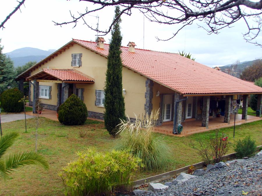 Foto casa se orial de estilo masia catalana de grup merin 180848 habitissimo - Casa en catalan ...