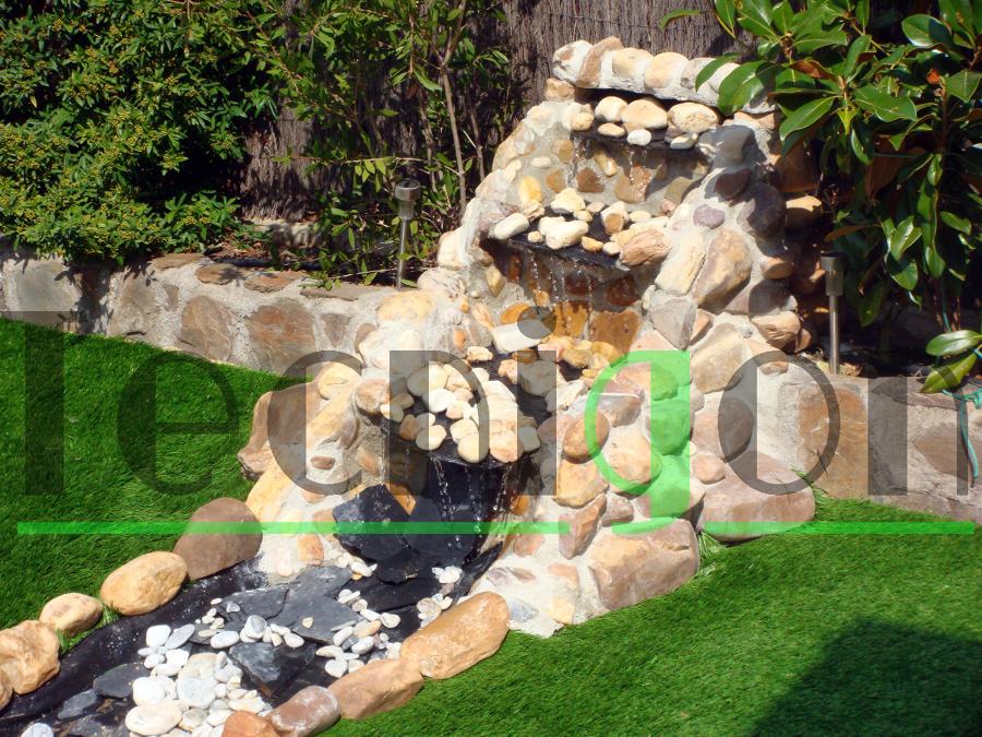Foto cascada de piedra natural de tecnigon 356666 for Estanques con cascadas de piedra