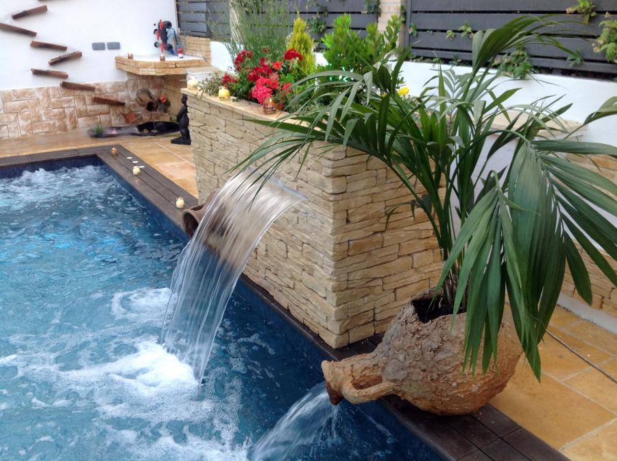 Foto cascads y piedra r stica fabiston de radu marin - Piedras para piscinas ...
