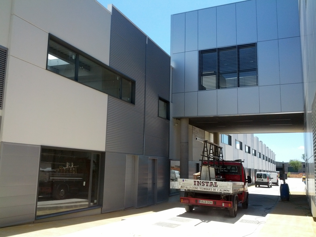 Foto centro empresarial de sabadell de aluminis instal - Centro de sabadell ...