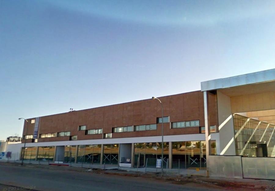 CENTRO FINANCIERO LOCALES Y OFICINAS