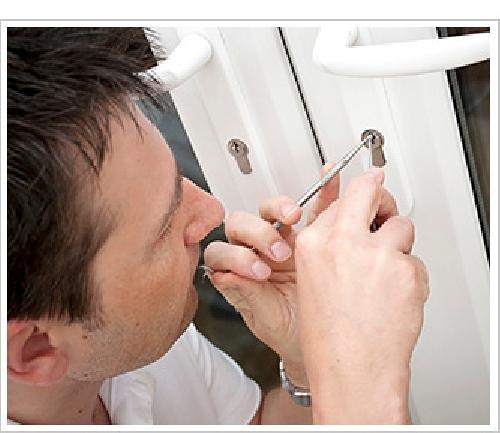 Foto cerrajeros urgencia 24hs de cerrajeros madrid for Cerrajeros de urgencias madrid
