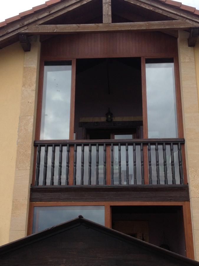 Foto cerramiento de balcon de alupar aluminios paredes - Cerramiento de balcon ...