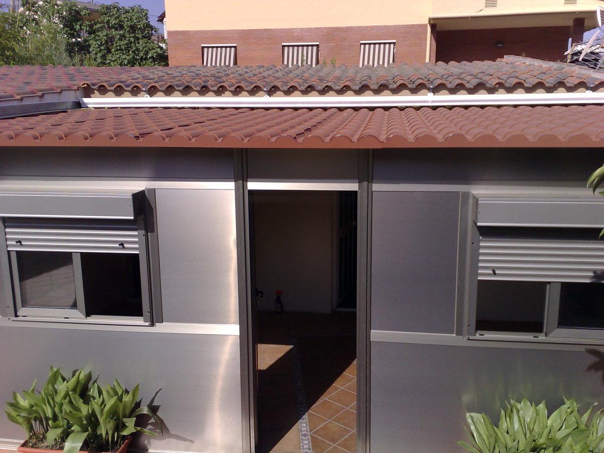 cerramiento color inox techo teja