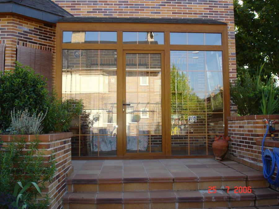 Foto cerramiento de porche de msh ventanas 654676 for Pvc kommerling opiniones