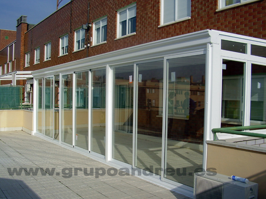 Foto cerramiento de terraza en aluminio de andreu grupo for Cerramiento aluminio terraza