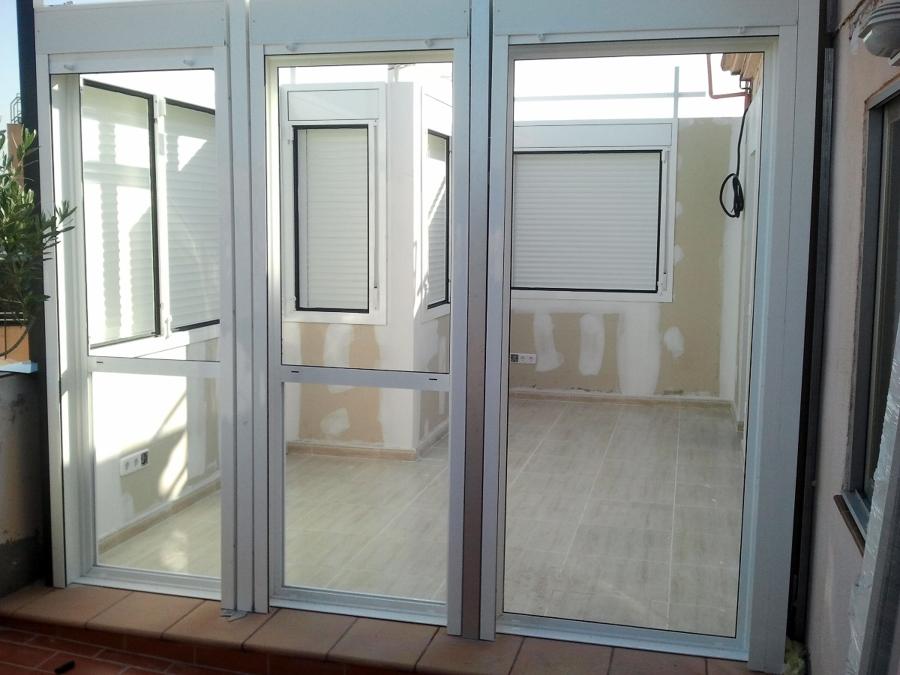 Foto cerramiento de terraza de reyes aluminio 262408 for Cerramiento aluminio terraza