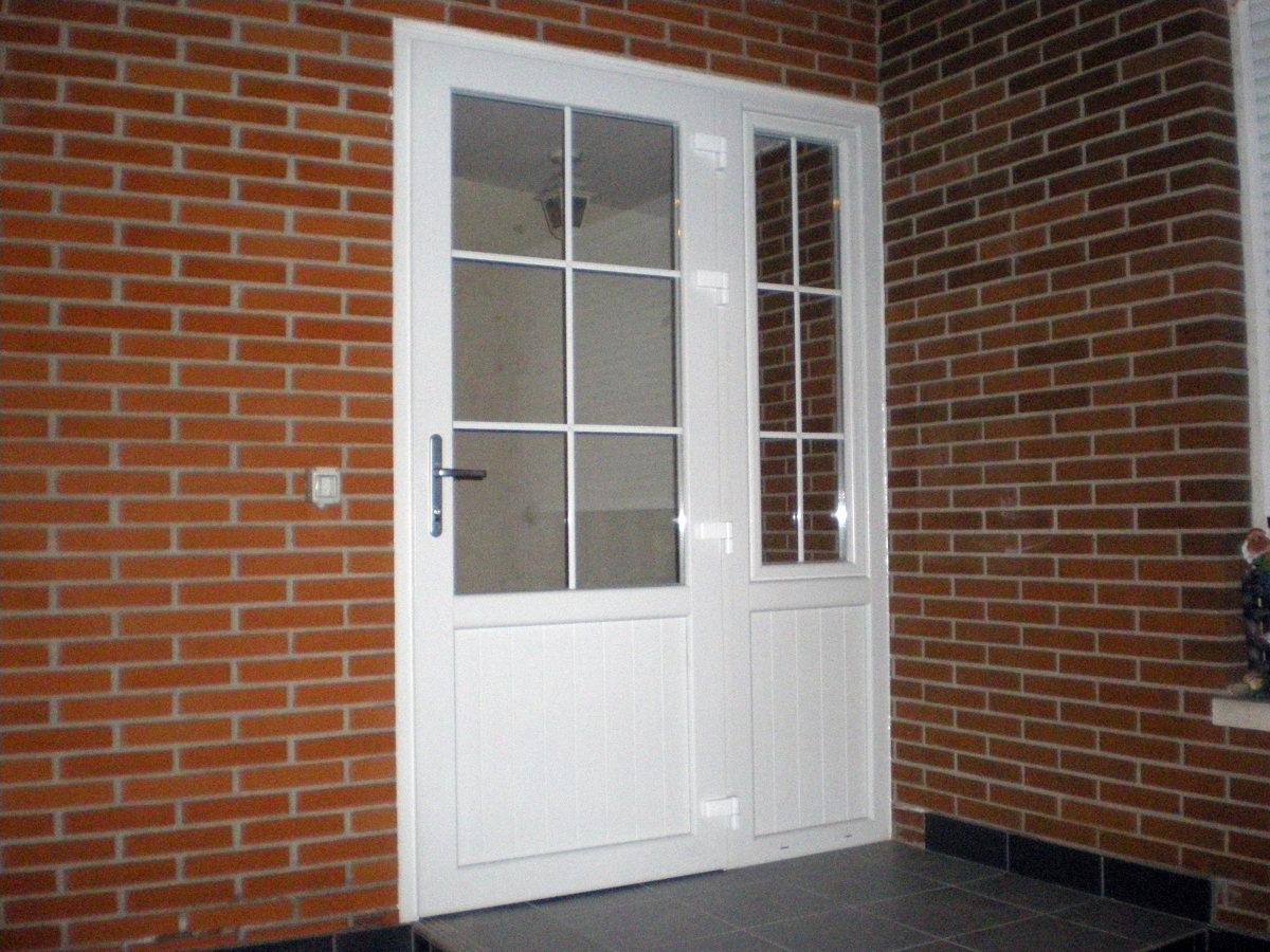 Foto cerramiento entrada a vivienda de puertas rioja - Puertas para viviendas ...