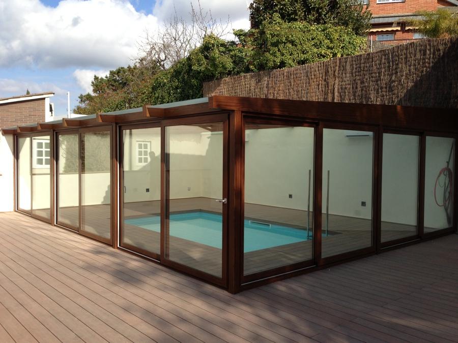Foto cerramiento exterior de piscina climatizada de - Cerramiento para piscinas ...