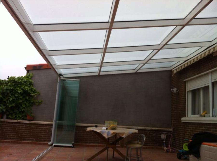 Foto cerramiento porche mediante cubierta de vidrio y frente cortina de cristal de mupalum s l - Cubierta de cristal ...