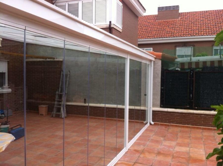 Foto cerramiento porche mediante cubierta de vidrio y - Cubiertas de cristal ...