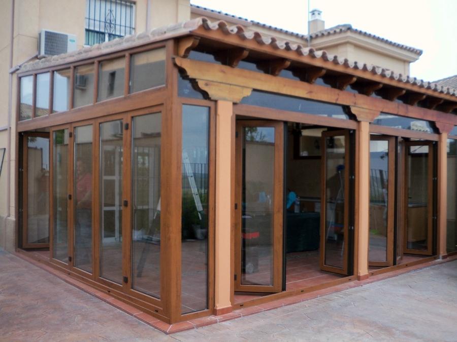 Foto cerramiento porche pvc de hogarven 208639 habitissimo for Toldos y cerramientos para patios