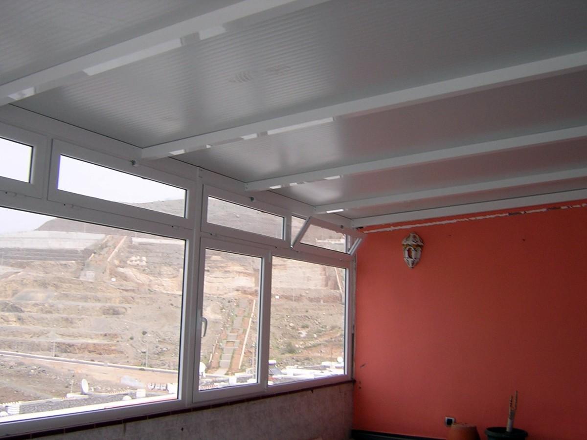 Foto cerramiento terraza aluminio terminado de aluminios for Cerramiento aluminio terraza