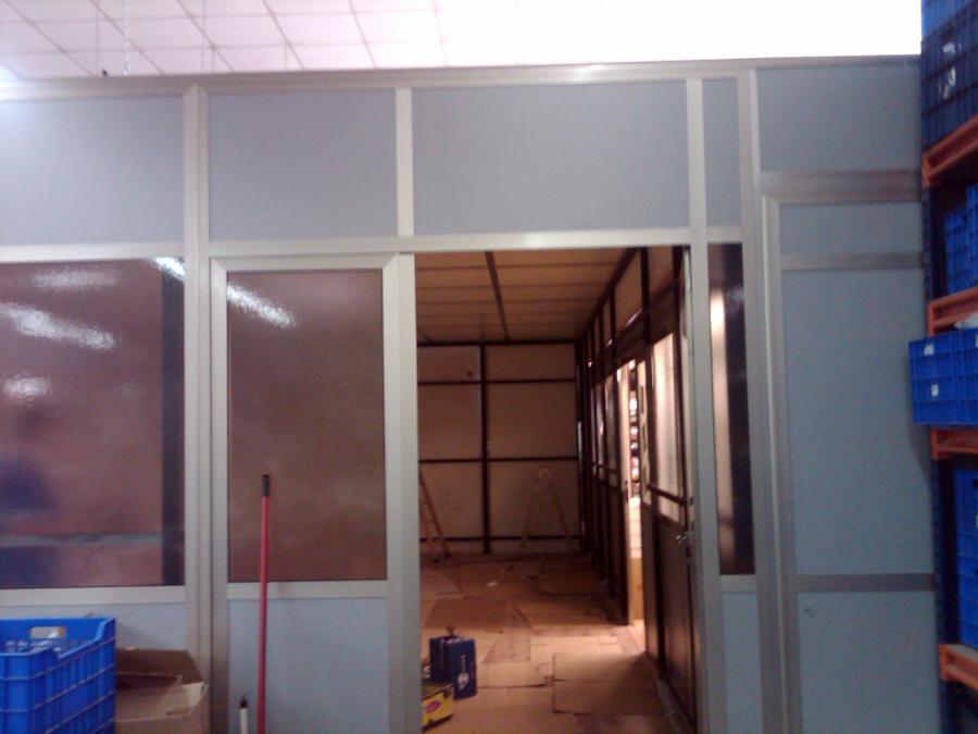 Foto cerramientos de oficina de romaype al andaluz s l for Cerramientos oficinas