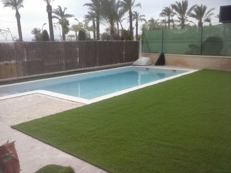 Foto piscina con cesped artificial de bps 2010 sl 783338 - Cesped artificial piscinas ...