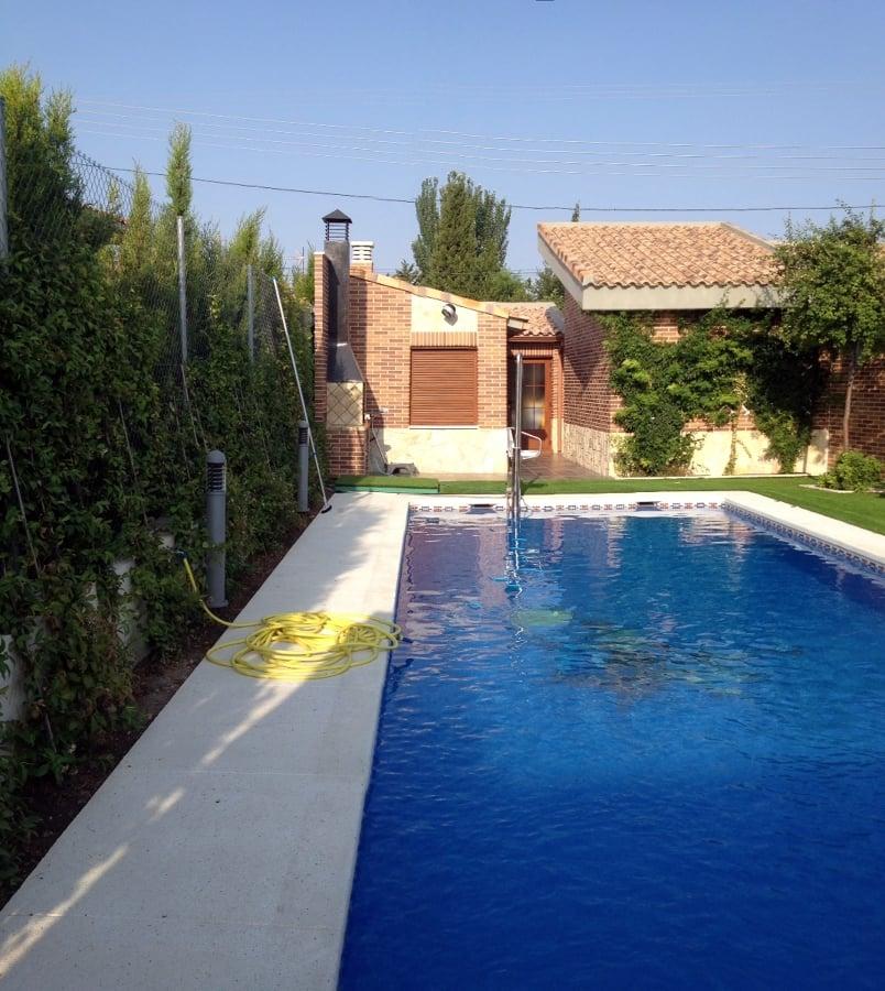Foto chalet con piscina de obras y reformas en madrid - Chalet con piscina ...