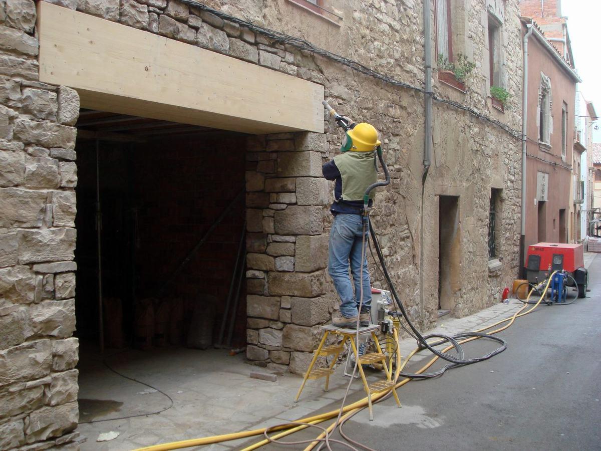 Chorreo de fachada de piedra