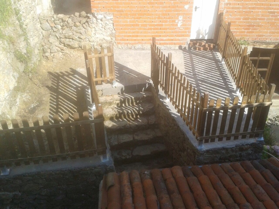 Foto cierre de madera de construcciones siema s c - Cierres de madera ...