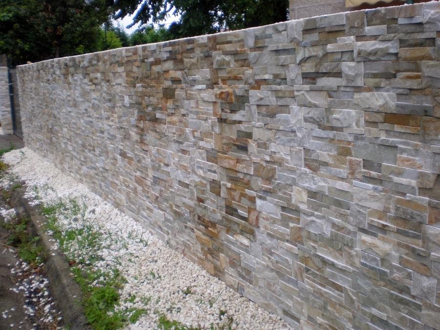 ... de cierre de una finca con muro de bloque, forrado en piedra india