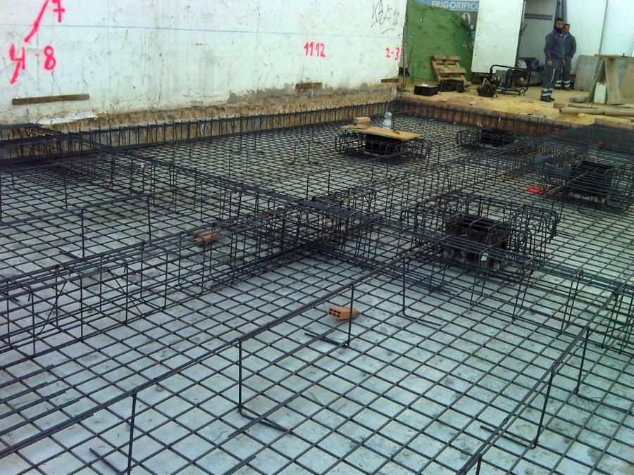 Foto cimentaci n por losa de hormig n de construcciones for Construccion de piletas de hormigon