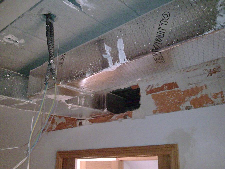 Foto climatizaci n de conductos en vivienda de for Aire acondicionado por conductos murcia