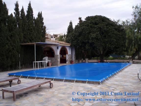 Foto cobertor de piscina de turisol decorlux 177477 habitissimo - Cobertor piscina enrollable ...