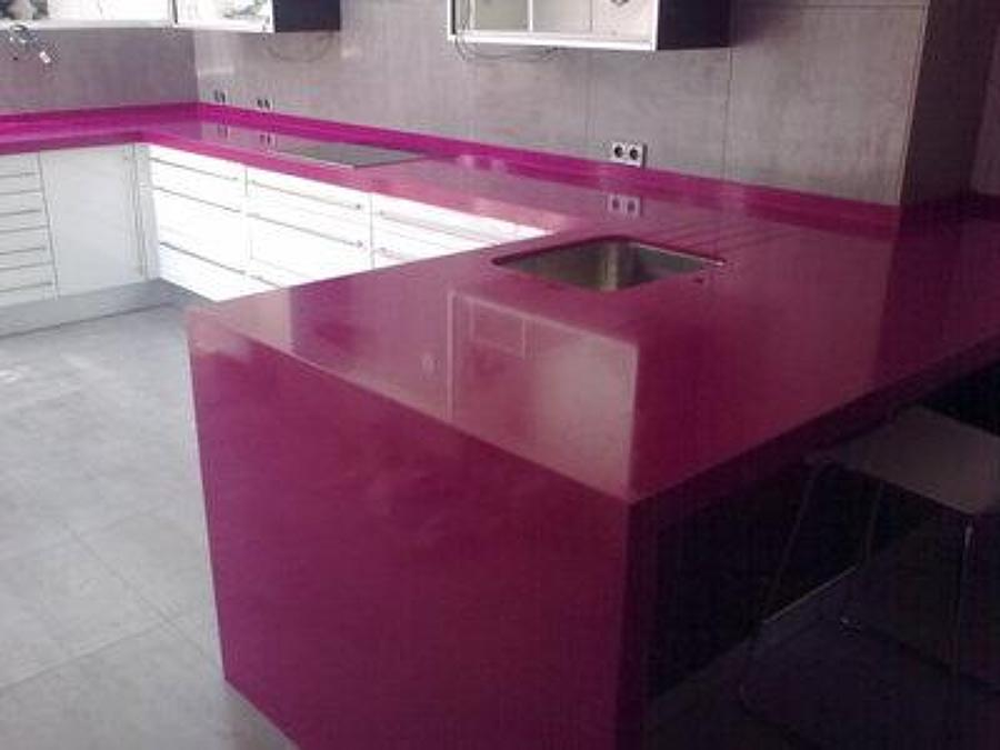 Foto encimera cocina silestone magenta energy de - Encimeras de cocina silestone ...