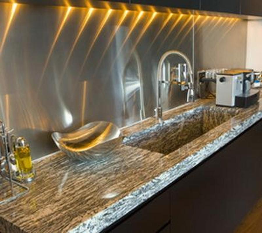 Foto encimera cocina granito gris cascais de encideluxe - Cocinas con encimera de granito ...