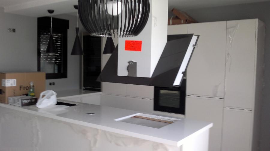 Foto cocina blanca lacada brillo de victor 244296 - Cocinas blancas brillo ...
